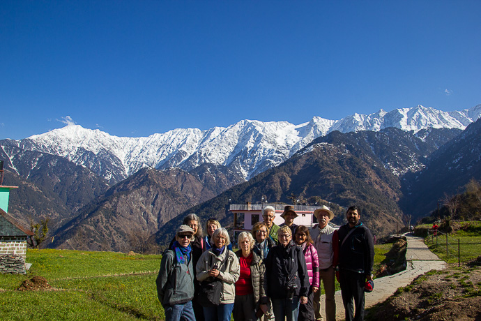Hela gruppen samlad i en by i Himachal Pradesh.
